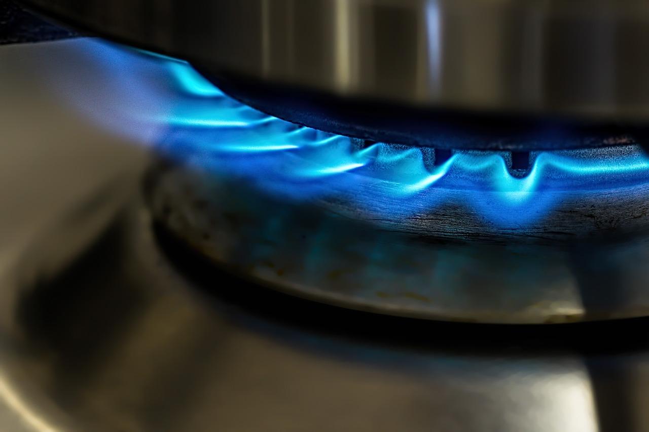 Frenar las renovables para quemar más gas